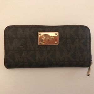 Michael Kors Signature Zip Around Wallet
